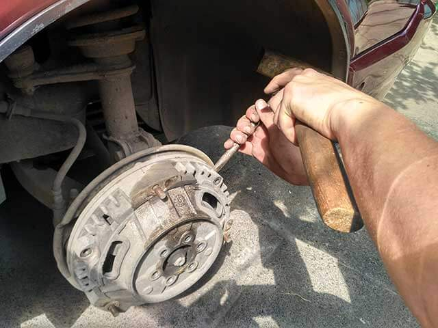 замена передних тормозных колодок славута