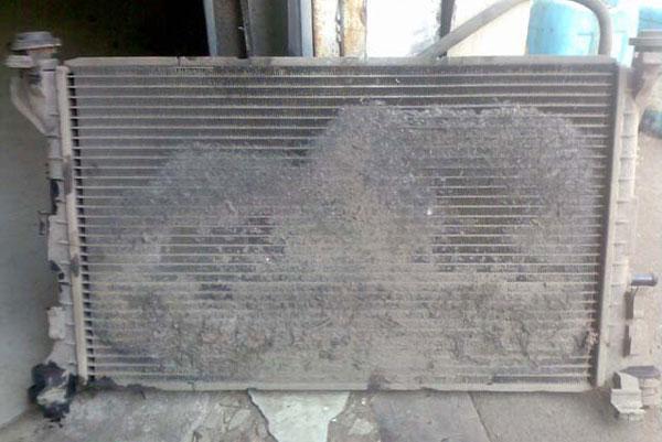 чистка радиатора автомобиял